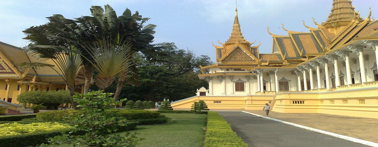 palais royal, phnom penh - LES 5 PLUS BEAUX SITES AU CAMBODGE A NE PAS MANQUER